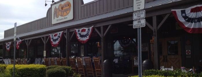 Cracker Barrel Old Country Store is one of Dana 님이 좋아한 장소.