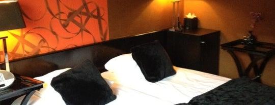 Hotel/ Bar Sebastian's is one of International: Hotels.
