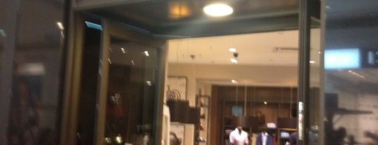 Massimo Dutti is one of shopping centers.