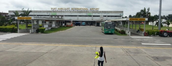 Port-Harcourt International Airport (PHC) is one of Locais curtidos por Ebere.