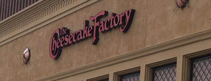 The Cheesecake Factory is one of olfat : понравившиеся места.