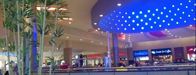 C.C. City Mall is one of Lieux qui ont plu à Gigi.
