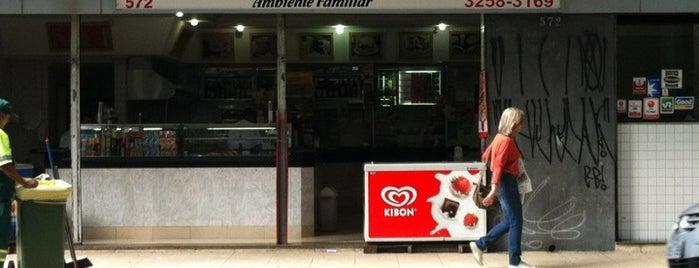 Kosmos Restaurante e Lanchonete is one of Posti che sono piaciuti a Sandra.