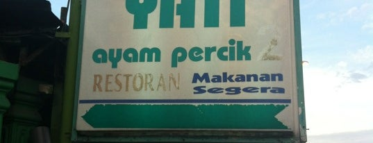 Yati Ayam Percik is one of Lieux qui ont plu à Rahmat.