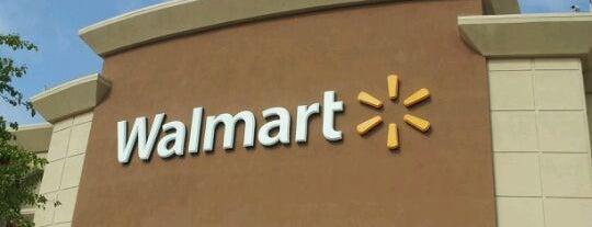 Walmart is one of Lieux qui ont plu à Bryan.