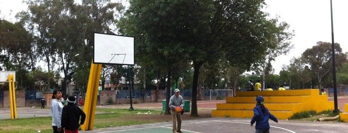 Parque Deportivo Jesús Clark Flores is one of Lugares favoritos de Kikita.