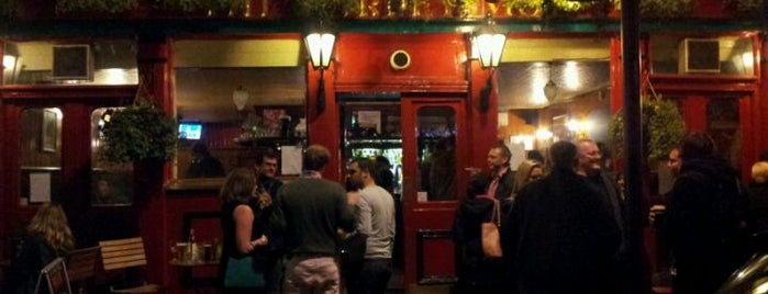 The Barley Mow is one of London's Best Pubs (voted by Londonist readers).
