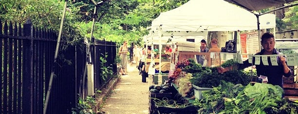 McGolrick Park's Down to Earth Farmers Market is one of North Brooklyn Rambling.