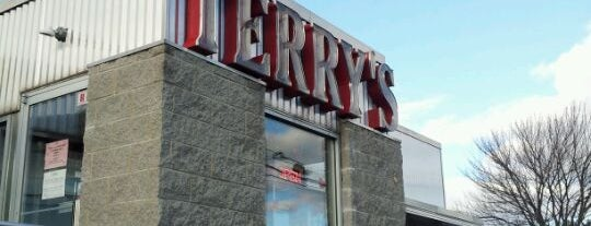Terry's Diner is one of Gさんの保存済みスポット.