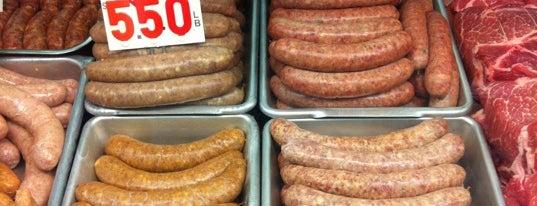 Taylor's Sausage is one of Lugares favoritos de Bruce.