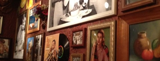 Buca di Beppo is one of Justin's Liked Places.