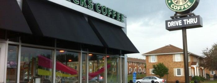 Starbucks is one of Locais curtidos por Lance P.