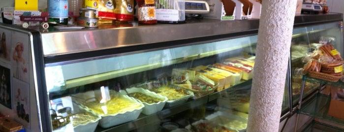 Bertos Deli & Pasta Shoppe is one of Tempat yang Disukai Michelle.