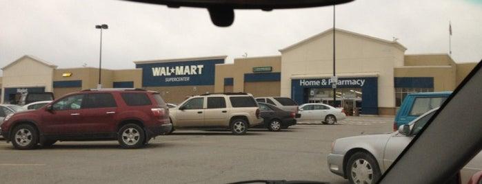 Walmart Supercenter is one of Locais salvos de Soraya.