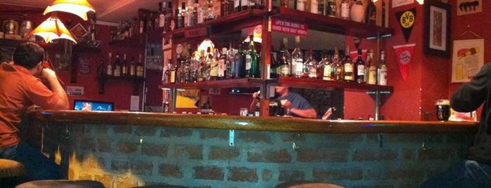 Corner Pub is one of Food & Fun - Quito.