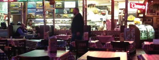 Portillo's is one of สถานที่ที่บันทึกไว้ของ Janell.