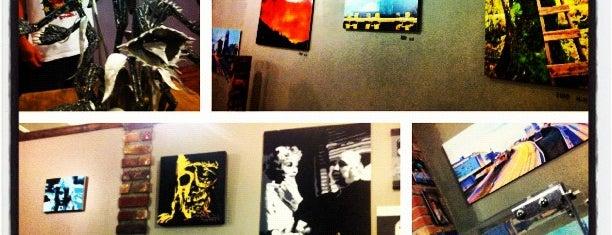 Woodgrain Gallery is one of Best Art Spots.