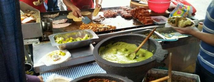 Tacos Los Bigotones is one of Restaurantes en el DF.