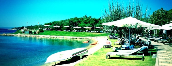 Ortunç Club Beach is one of Lieux sauvegardés par Çağla.