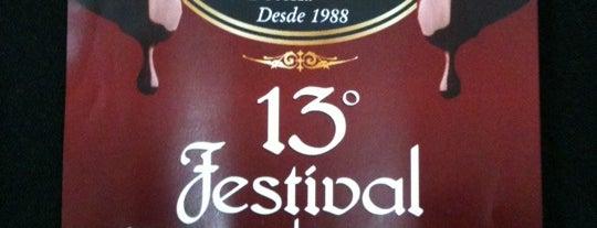 Cav's Restaurante is one of Lieux sauvegardés par Fernando.