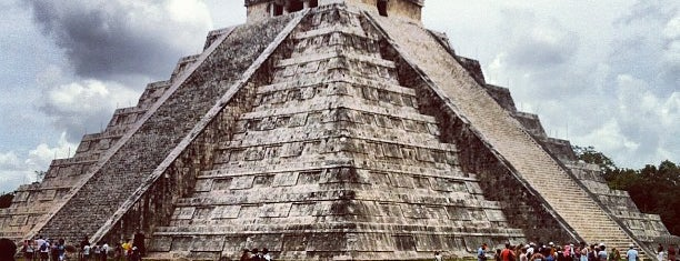 Zona Arqueológica de Chichén Itzá is one of Hopefully, I'll visit these places one day....