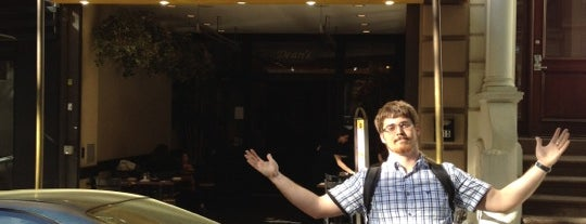 Dean's Pizzeria is one of Locais salvos de Roger.