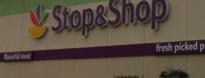 Stop & Shop is one of Lieux qui ont plu à Tim.