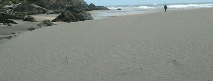 Playa de Barayo is one of Porto-Bilbao.
