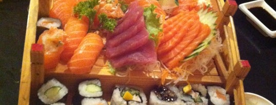 Sushi Take is one of Lugares favoritos de Felipe.