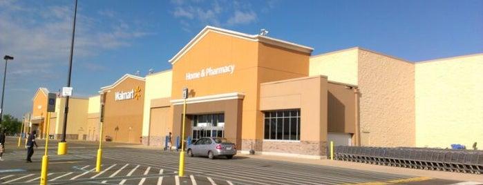 Walmart Supercenter is one of Lieux qui ont plu à Jake.