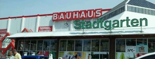 BAUHAUS is one of Locais curtidos por Stefan.