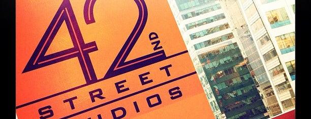 New 42nd Street Studios is one of Lieux qui ont plu à Sabra.