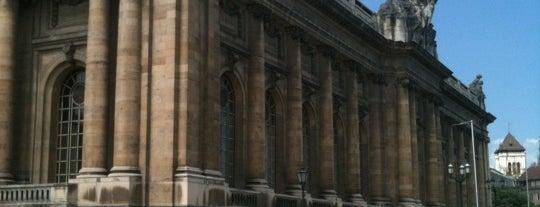 Musée d'Art et d'Histoire is one of Tempat yang Disukai Jonell.