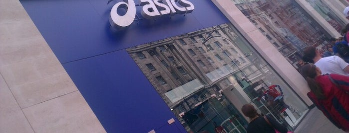 Asics is one of Gianniさんのお気に入りスポット.