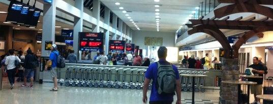 Salt Lake City International Airport (SLC) is one of สนามบินนานาชาติ (1).