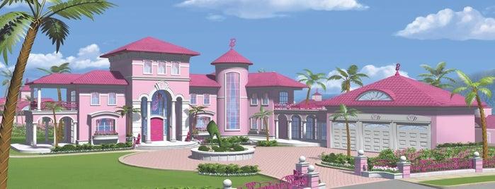 Barbie® Dreamhouse is one of tiro eio........
