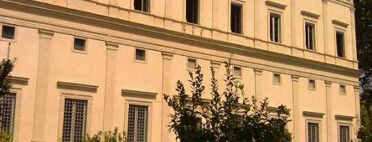 Villa Farnesina is one of Roma.