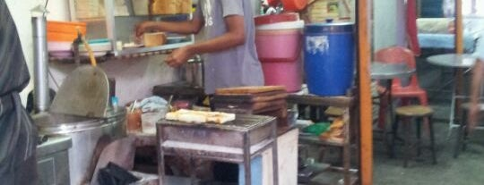 Roti Bakar Hutton Lane is one of Orte, die Andrea gefallen.