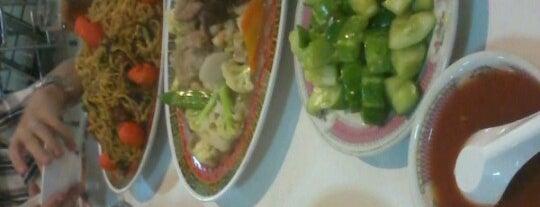 Phoenix Restaurant is one of BandoengKuliner.