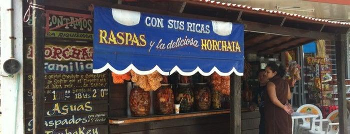 El Deportista Drink & Food is one of สถานที่ที่ Karen ถูกใจ.