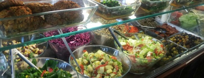Fresh Healthy Eating Cafe is one of Healthy Eating in London.