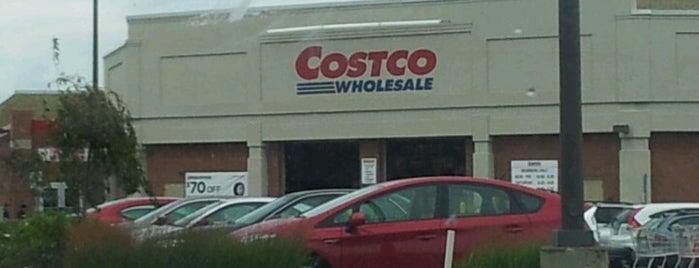 Costco is one of Orte, die Joanna gefallen.