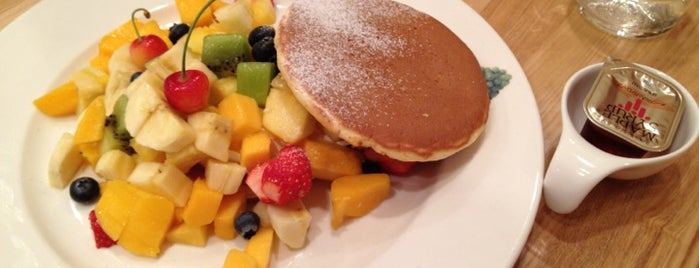 Fruit Parlor Kajitsuen is one of おいしいパンケーキ&ホットケーキ屋さん.