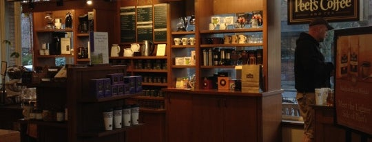 Peet's Coffee & Tea is one of Places I Adore ❤.