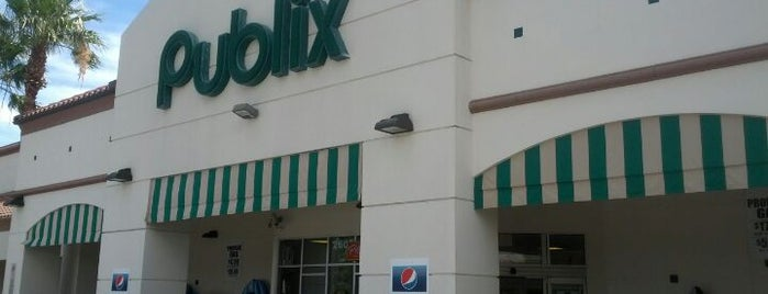Publix is one of Locais curtidos por Mujdat.