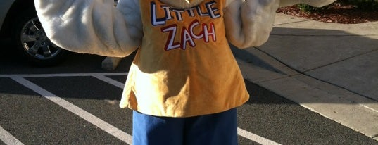 Zaxby's Chicken Fingers & Buffalo Wings is one of Tempat yang Disukai Fen.