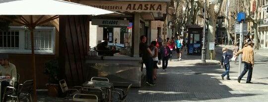 Alaska is one of ¡Palma está en mi alma!.