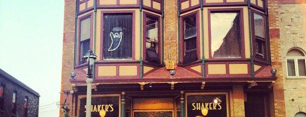Shaker's Cigar Bar is one of Lugares favoritos de David.