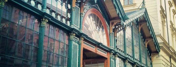 Železniční stanice Praha-Masarykovo nádraží is one of StorefrontSticker #4sqCities: Prague.
