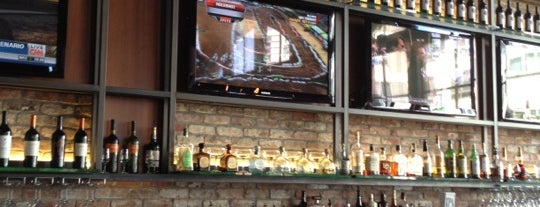 Knuckles at the Wharf is one of Bars in San Francisco to watch NFL SUNDAY TICKET™.
